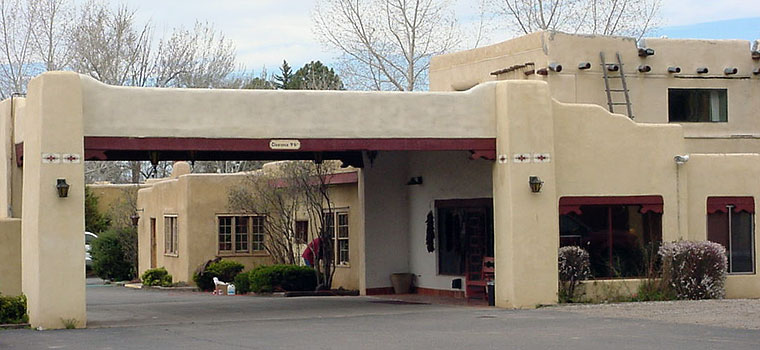El pueblo lodge in taos new mexico hotel and lodging for Cabins in taos nm